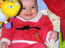 5 Ways to Make Baby's First Christmas Truly Amazing